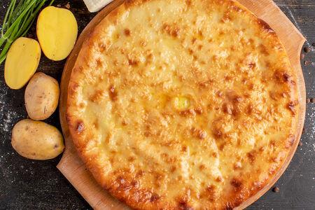 Осетинский пирог с картофелем и зеленью