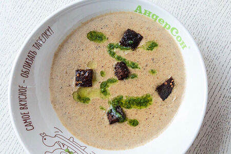 Крем-суп из белых грибов с гренками
