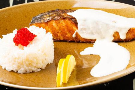 Стейк из семги с рисом