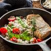 Фото к позиции меню Обжаренное филе судака с рисом и овощами