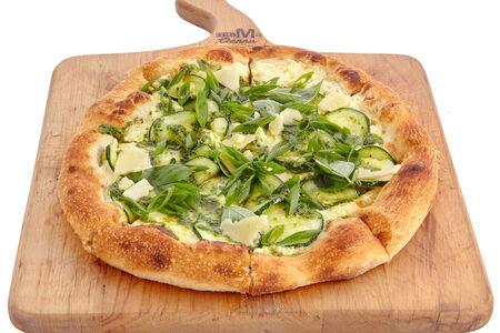 Неополитанская пицца с цукини и соусом Песто