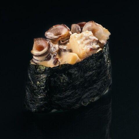 Гункан с острым осьминогом