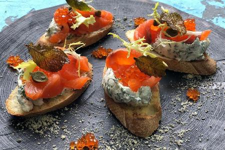 Сморреброды с лососем