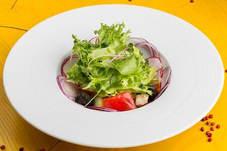 Салат с домашним тунцом