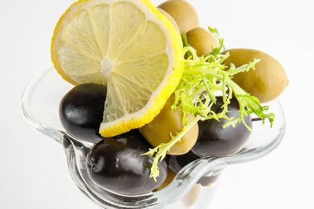 Отборные маслины и оливки
