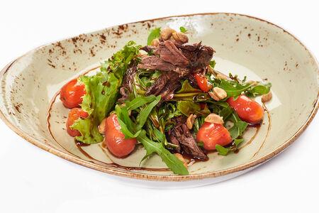 Салат с телячьей голенью