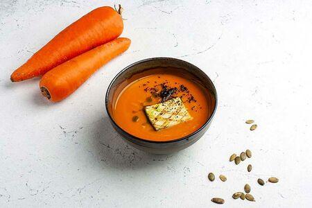 Крем-суп тыквы с жареным сыром тофу
