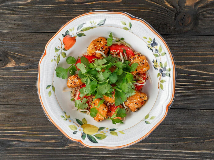 Салат с хрустящим цыпленком