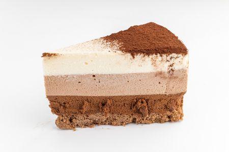Порция торта Три шоколада