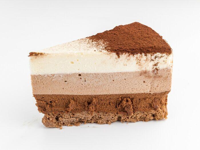 Кусочек торта Три шоколада