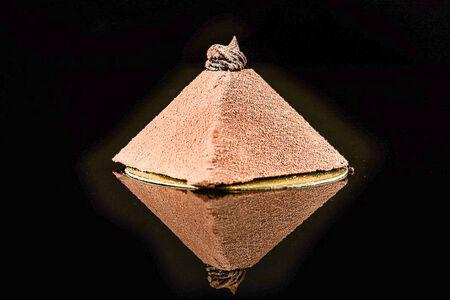 Пирожное Пирамида