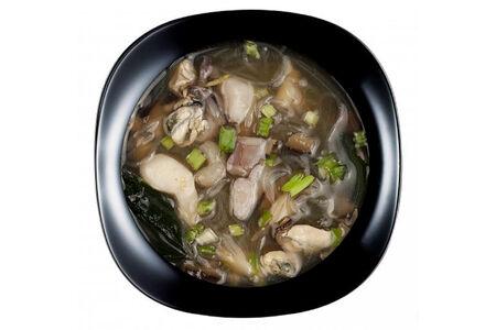 Суп с лососем и гречневой лапшой