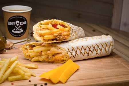 Шаурма в обычном лаваше с картошкой и сыром