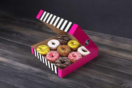 Набор из девяти пончиков