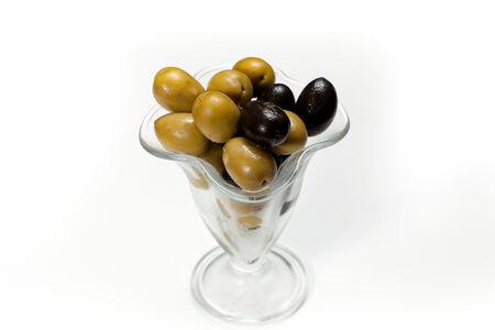 Оливки и маслины гигант