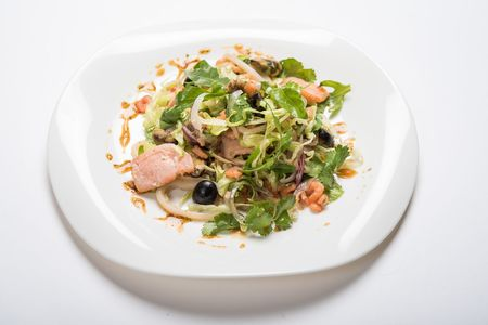 Салат Посейдон с морепродуктами