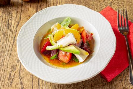 Салат со свеклой и камамбером