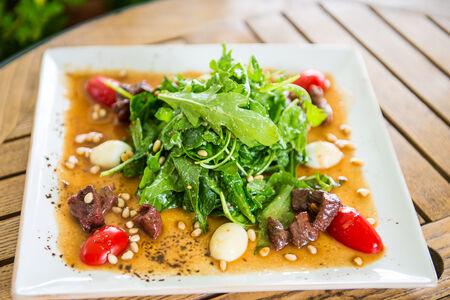Теплый салат из конины