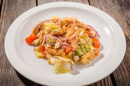 Салат с курицей терияки
