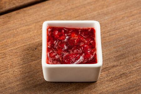 Свежие ягоды, протёртые с сахаром