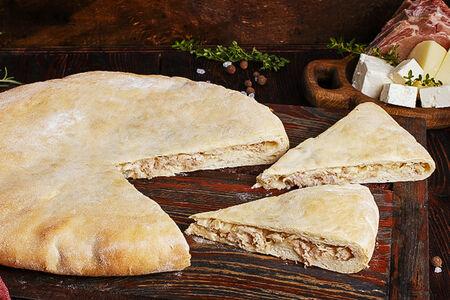 Пирог осетинский со свининой и сыром