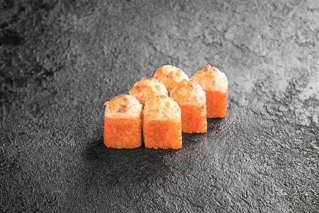 Запеченный ролл с лососем и креветками