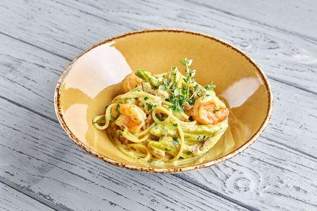 Спагетти с креветками и белыми грибами в сливочном соусе