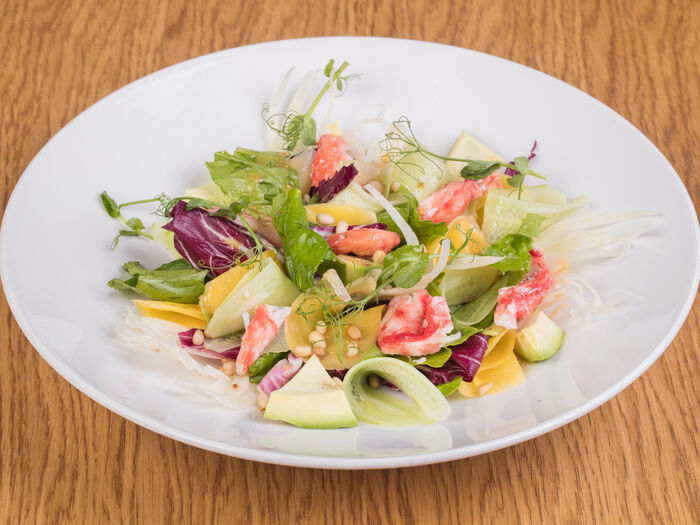Салат с теплым крабом