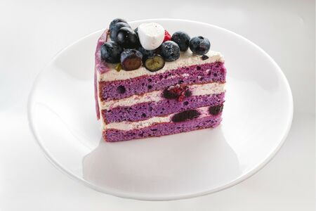 Порция торта Черничные ночи