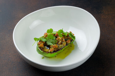 Жареный авокадо с соусом чимичурри