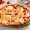 Фото к позиции меню Пицца Маргарита Гурмэ 28 см, на тонком тесте