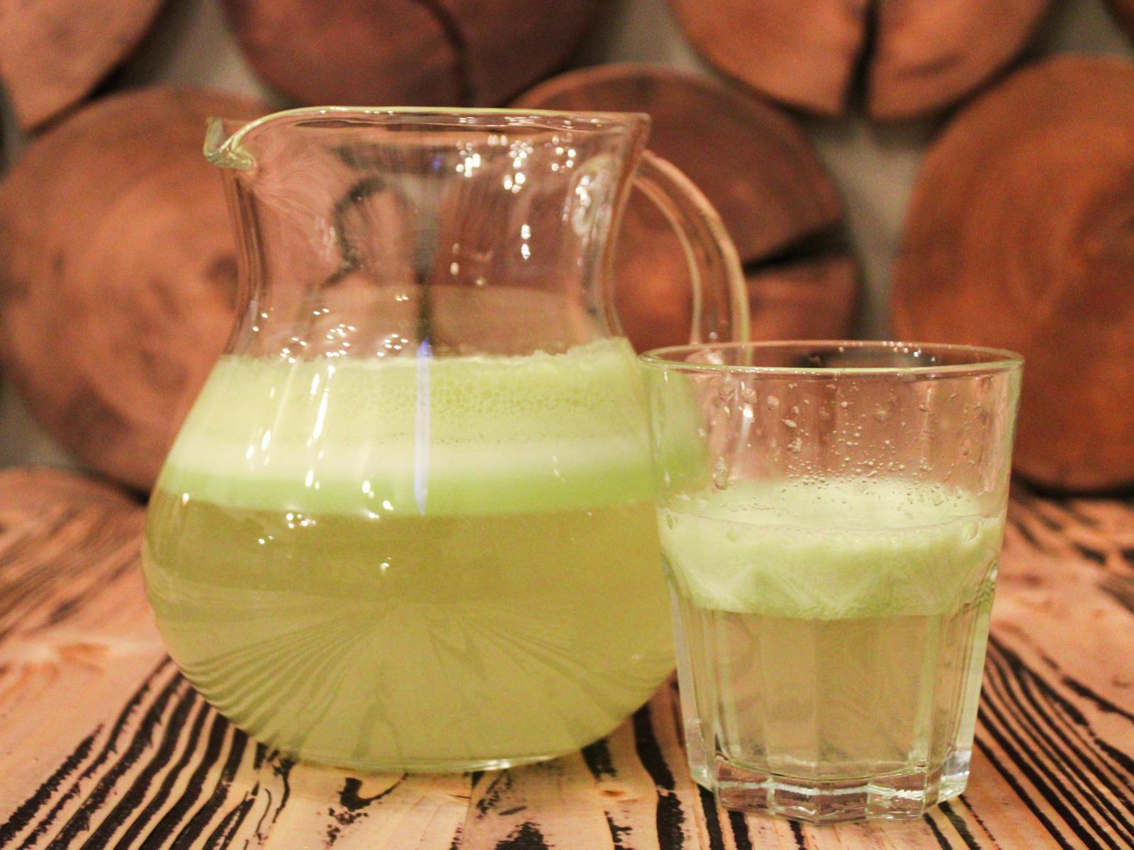 Свежевыжатый сок яблоко