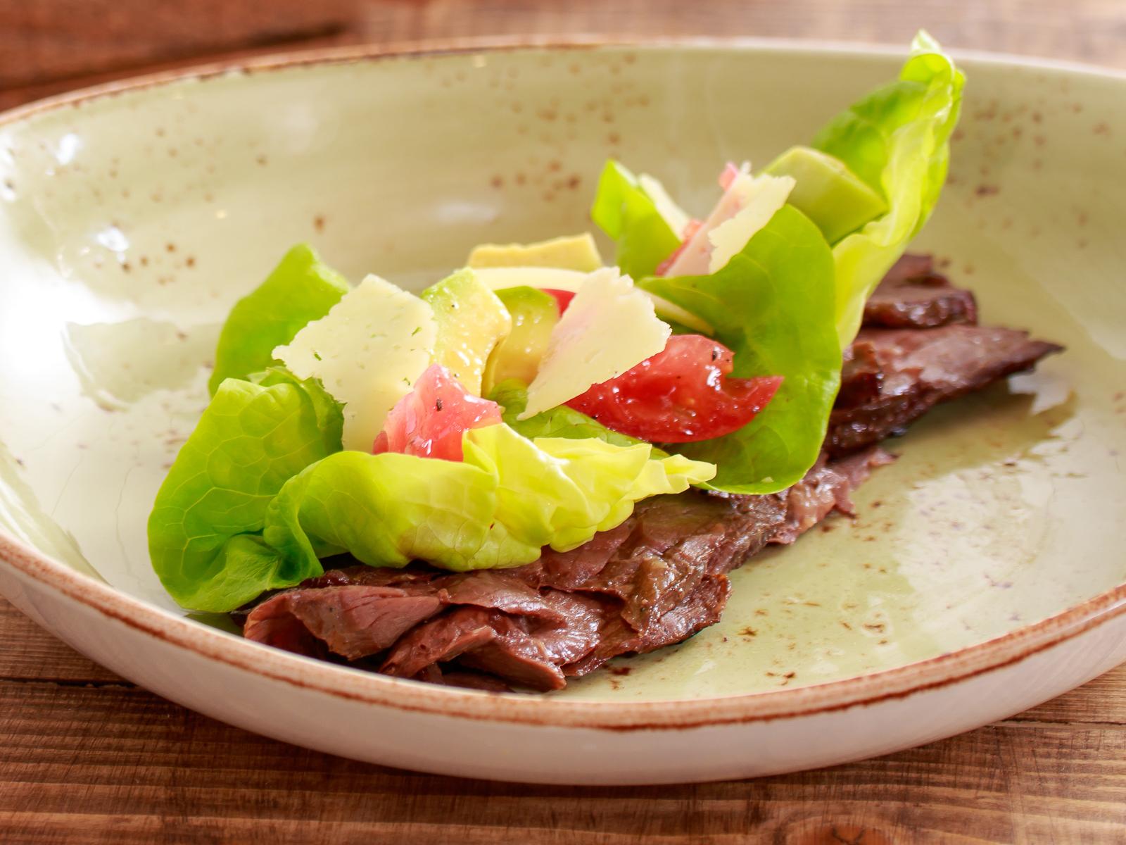Теплый салат с мраморной говядиной