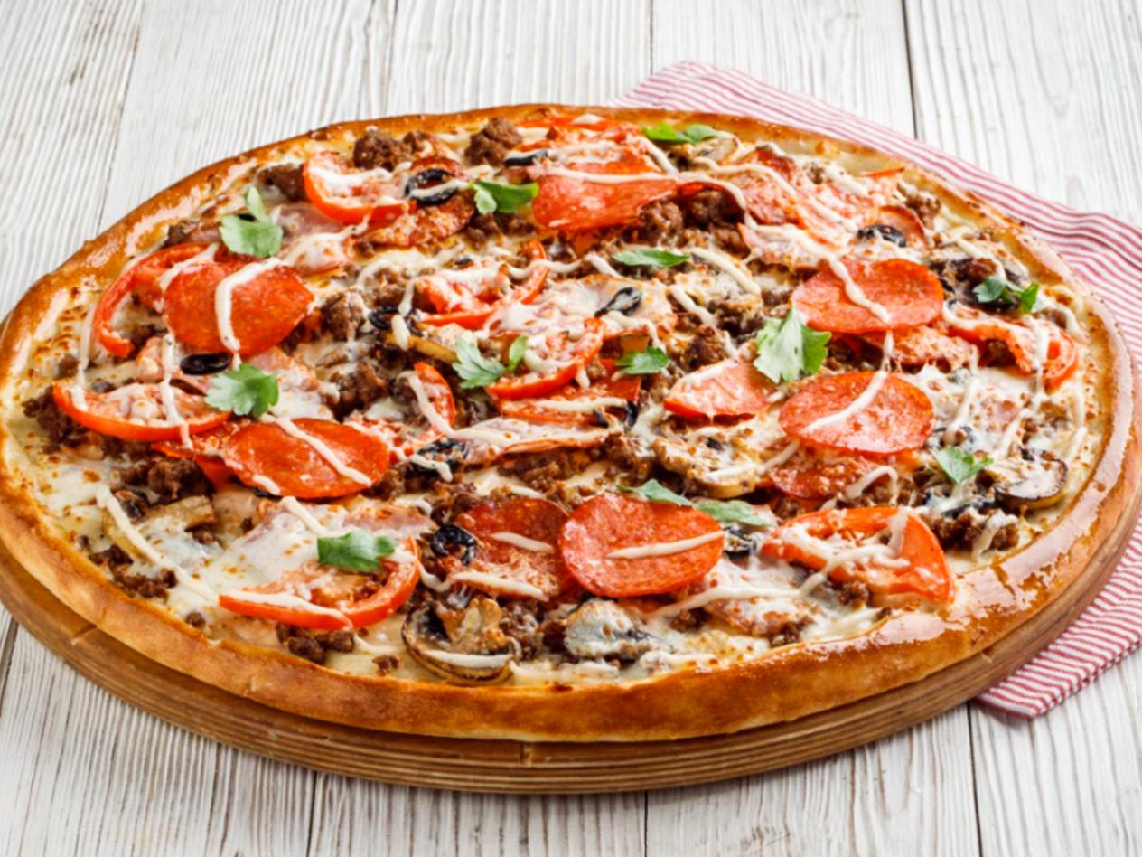 Большая мясная пицца