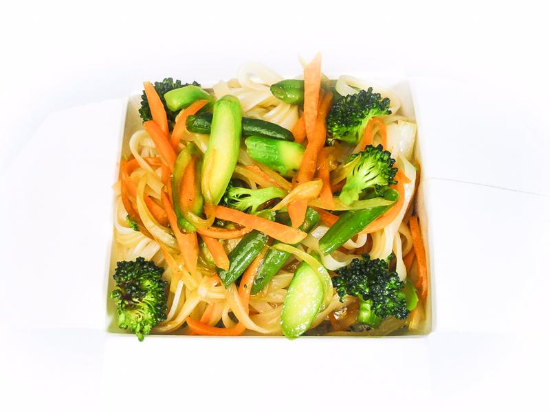 Вок рисовая лапша с овощами
