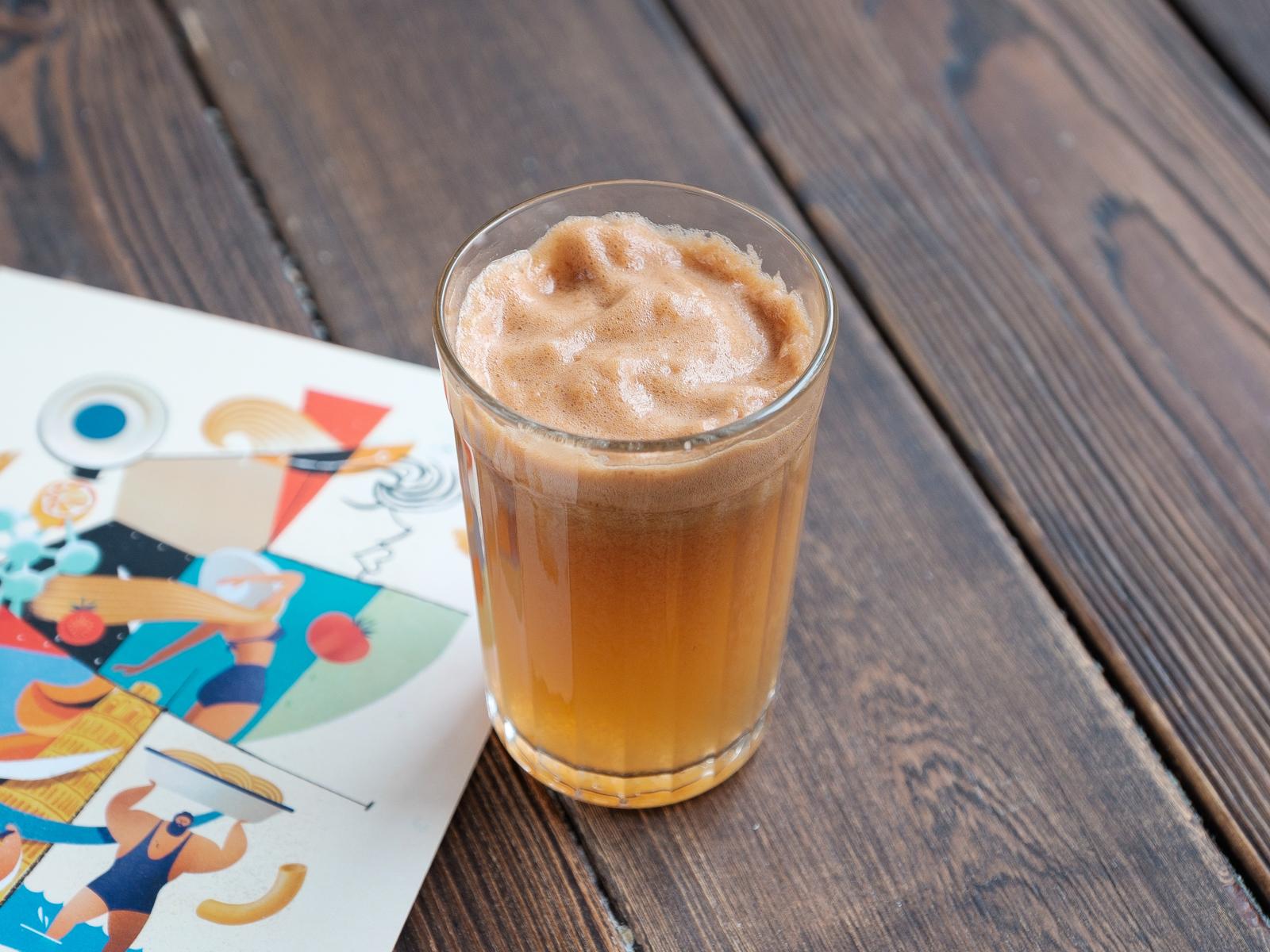 Яблочный свежевыжатый сок