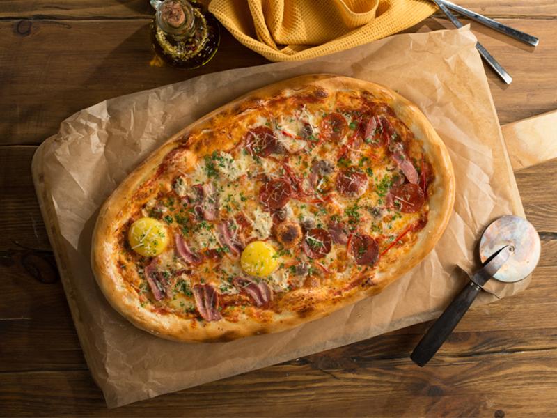 Полуметровая пицца