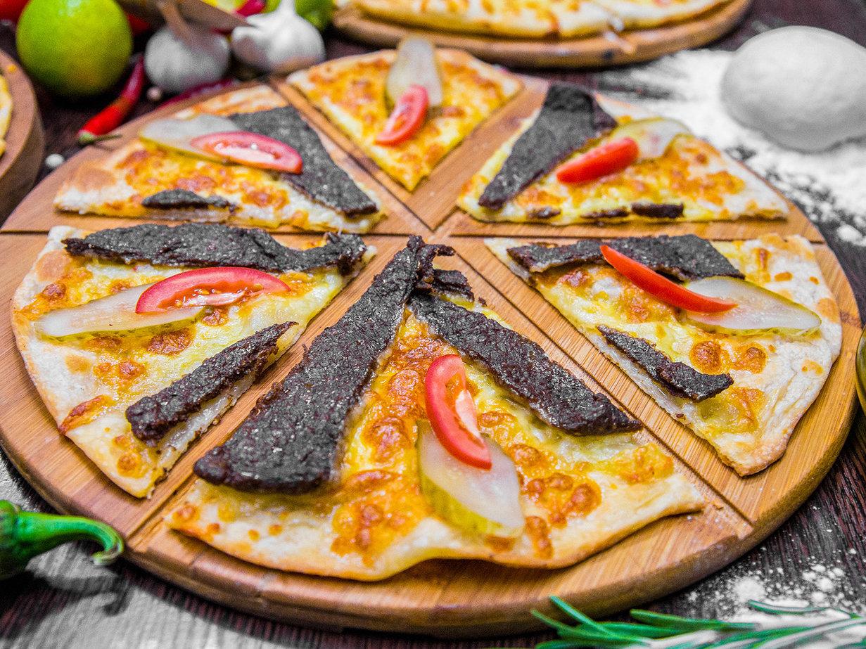 Манакиш Суджук с сыром