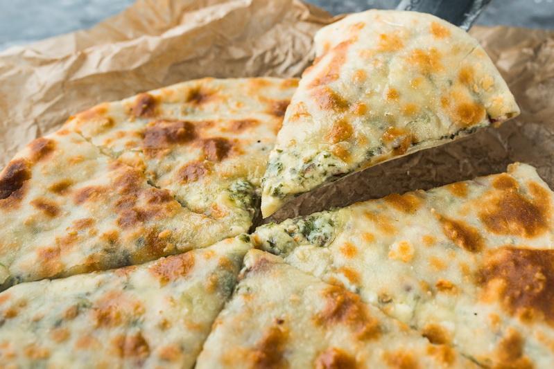 Хачапури с сыром тархуном и зеленью