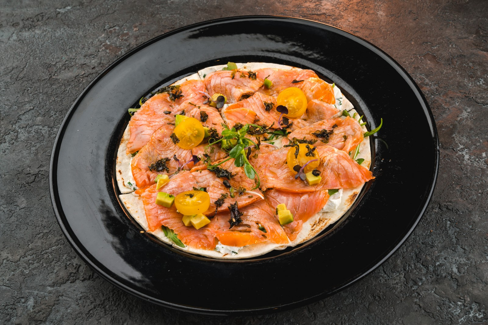 Тостадитос с лососем