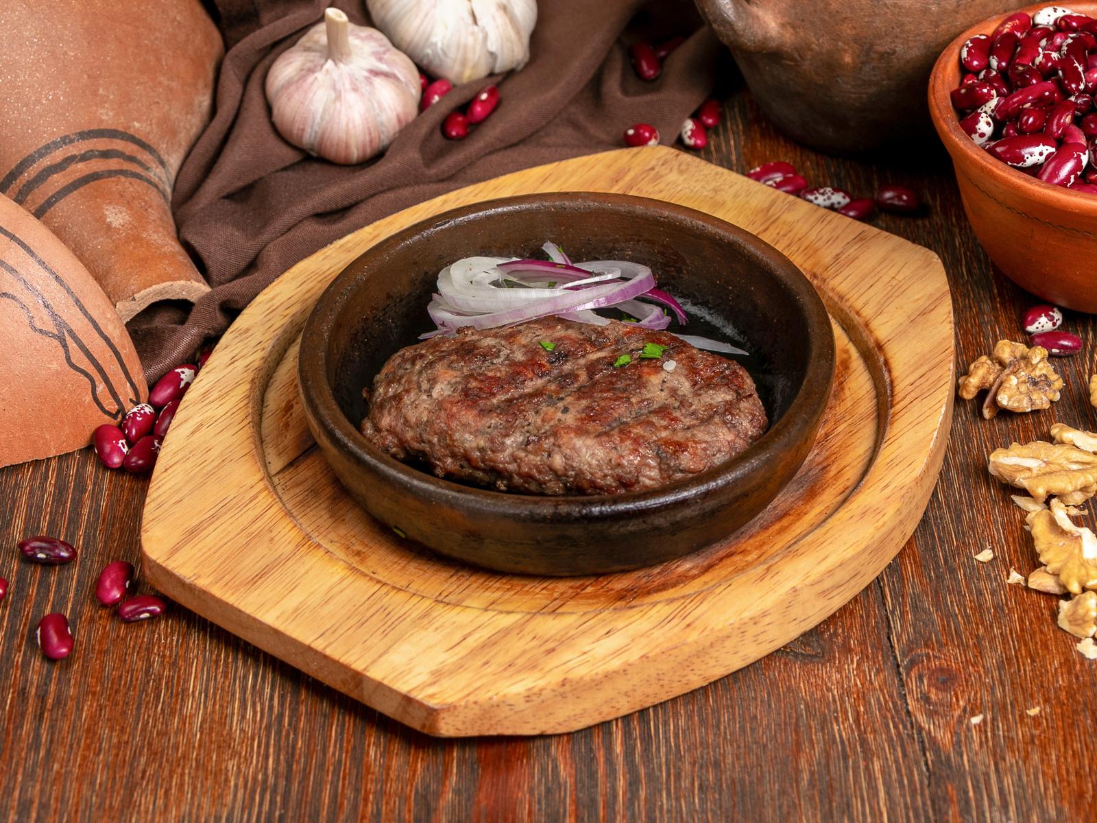Котлета из говядины на мангале