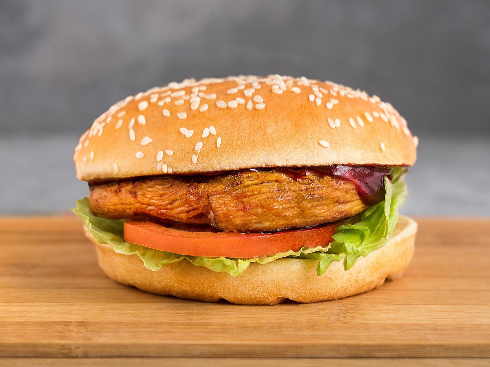 Барбекю чикен сэндвич