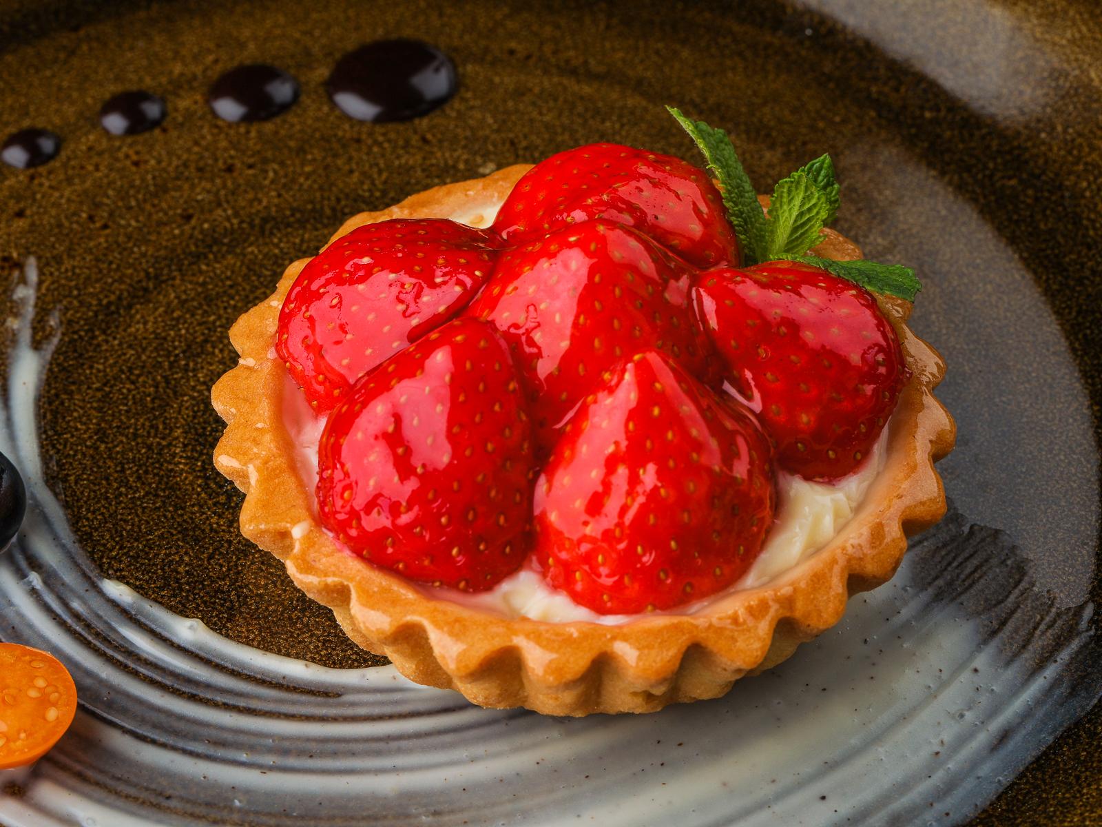 Корзинка с ягодами