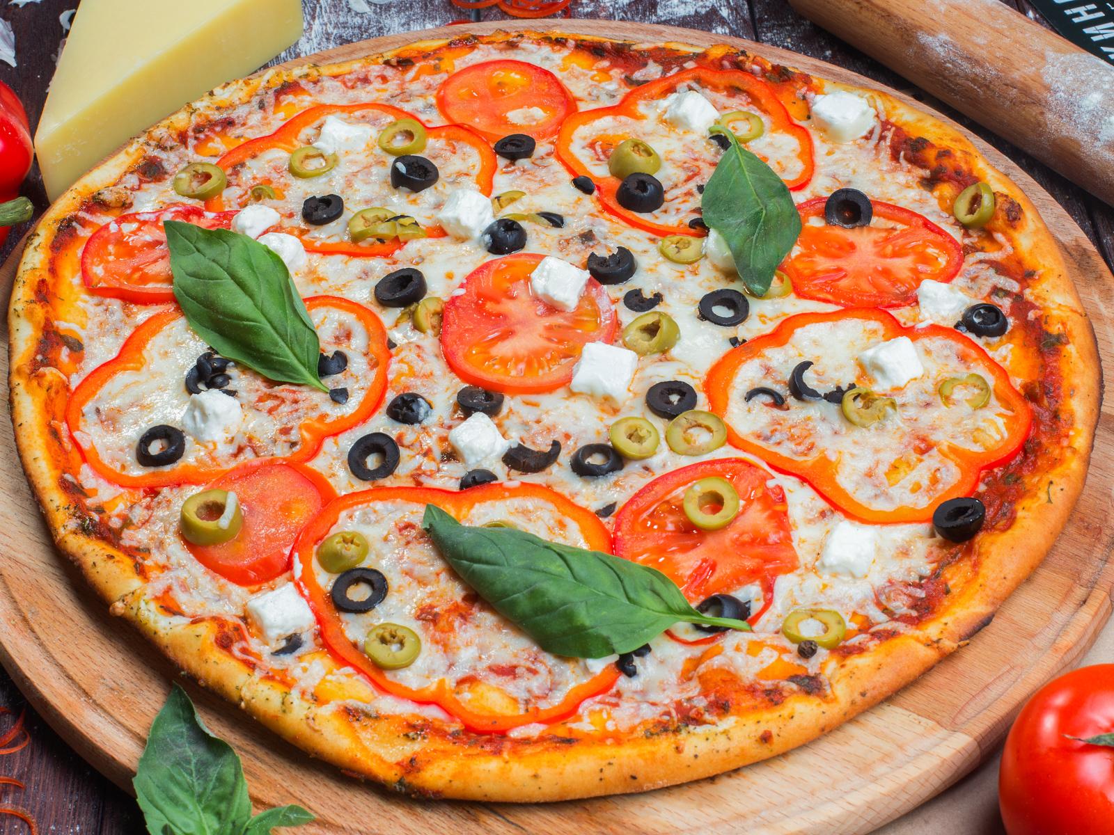 Пицца Греция на толстом тесте