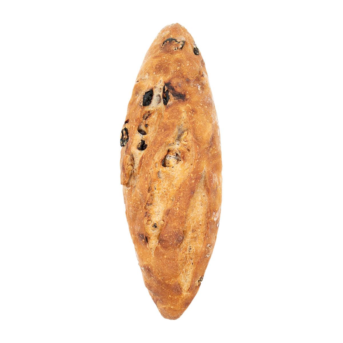 Хлеб с орехом и изюмом