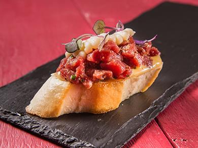 Пинчо с тартаром из говядины