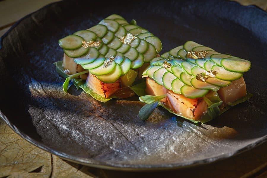 Лосось, хамачи с карпаччо из цукини и японским соусом