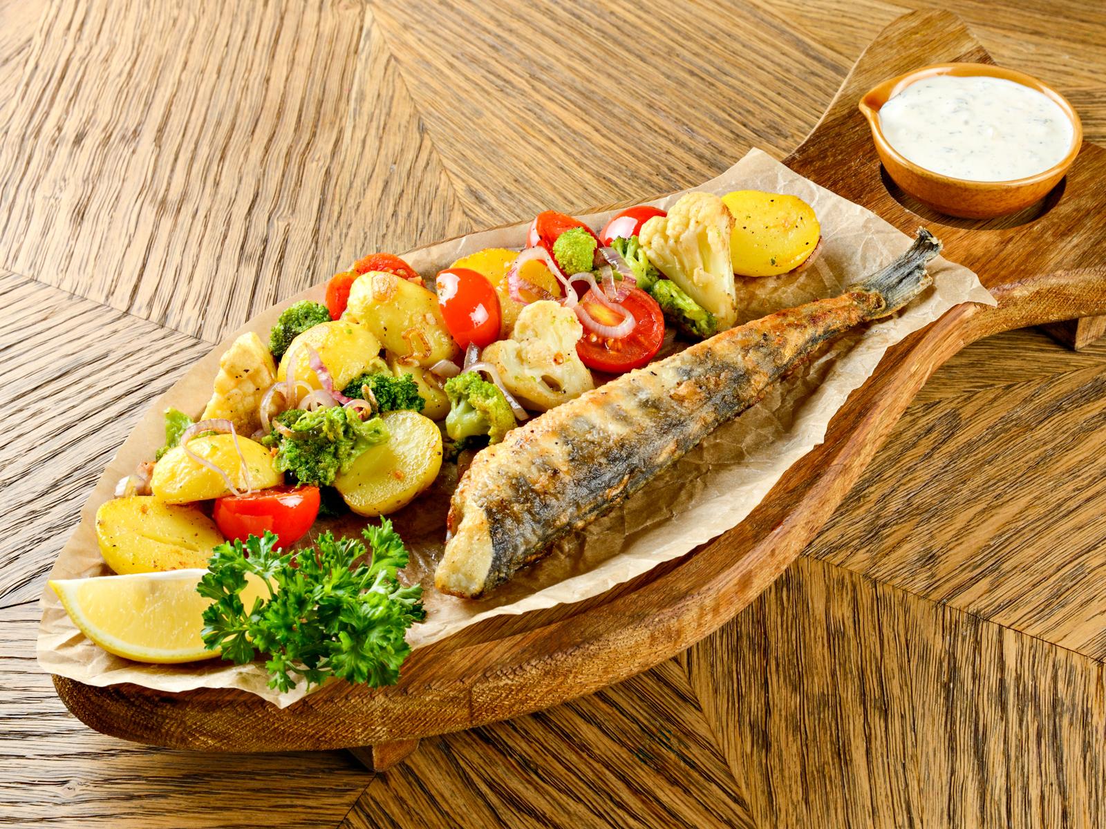 Ледяная рыба с мини-картофелем