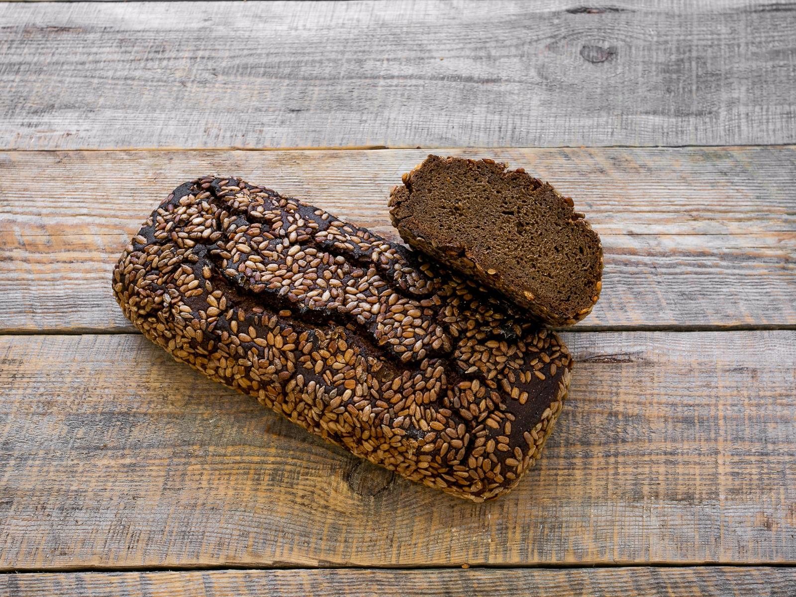 Хлеб Ржаной темный с подсолнечником