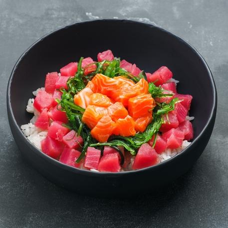 Поке с тунцом и лососем
